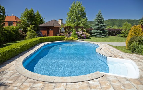 Construction: Vinyl-lined in-ground pools are structurally very similar to  above-ground pools although installation is obviously different.
